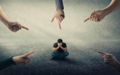Verliebt trotz glücklicher Beziehung: Wenn die Fremdliebe zum Problem wird
